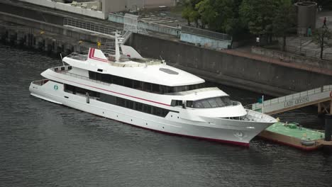 Tokyo-Big-Boat0