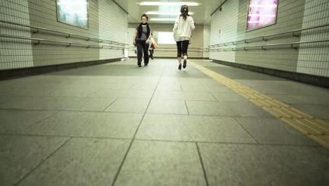 Tokyo-Empty-Tunnel-01