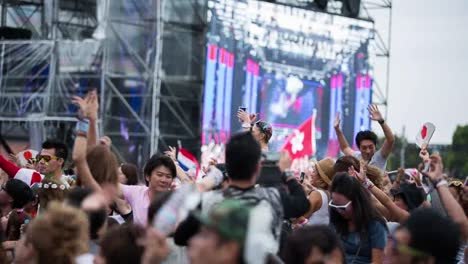 Tokyo-Event-Crowd-08