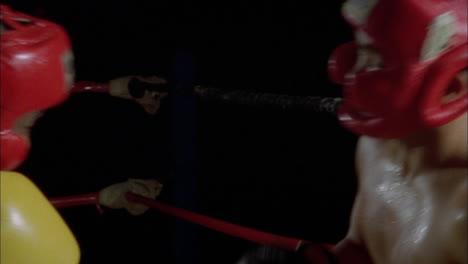 Dos-Boxeadores-Pelean-Entre-Ellos-Dos-Boxeadores-Pelean-Entre-Ellos