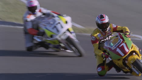 Motorcycles-competing-on-a-circuit