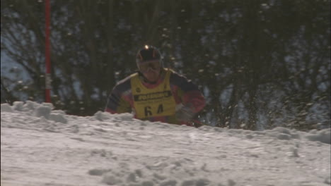 A-skier-races-swiftly-down-a-slalom-course