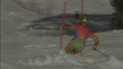 Alpine-skier-running-a-downhill-course-8