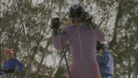 A-skier-starts-to-ski-downhill