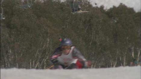 Alpine-skier-running-a-downhill-course-22
