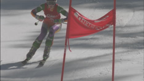 Alpine-skier-running-a-downhill-course-27