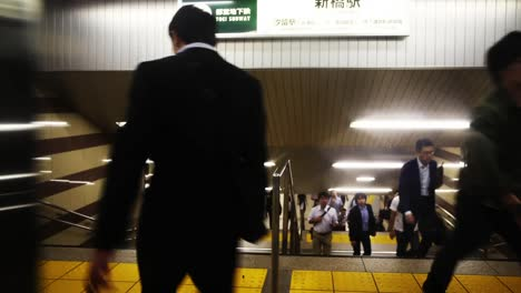 Tokyo-Metro-People-1