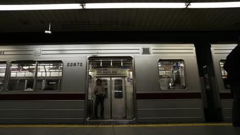 Tokyo-Metro-People-5