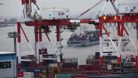 Tokyo-Port-Close-00