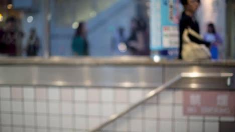 Tokyo-Subway-Rush-00