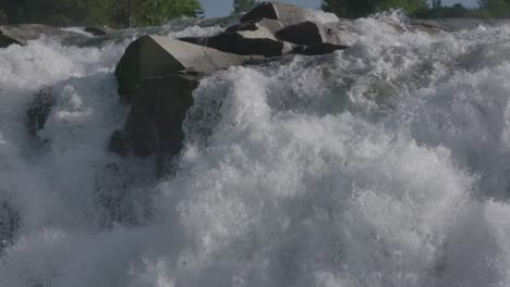Waterfall-Norway-Slow-Motion-00