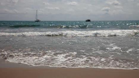 Wiakiki-Beach-00