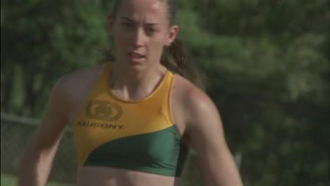 Female-runners-begin-a-race