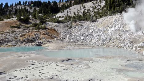 Panning-of-volcanic-hydrothermal-features-in-Bumpass-Hell-in-Lassen-Volcanic-National-Park-California