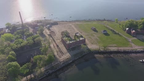 Disturbing-aerial-of-mass-unmarked-graves-in-New-York-on-Hart-Island-of-Covid19-death-victims-5