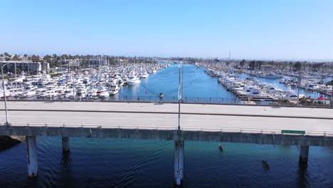 Aumento-De-La-Antena-Del-Puerto-De-Oxnard-Con-Barcos-Yates-Y-Marina-California