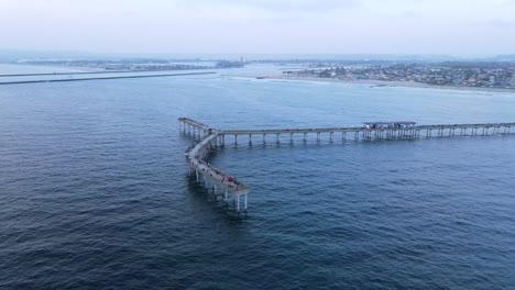 Antena-Sobre-El-Muelle-En-Ocean-Beach-San-Diego-California