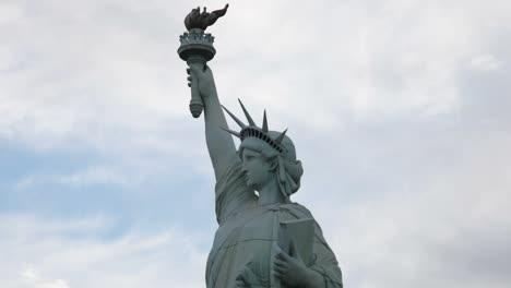 Las-Vegas-Statue-Liberty-2