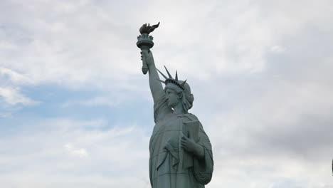 Las-Vegas-Statue-Liberty