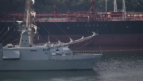 Acapulco-Warship-00