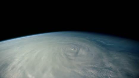 Tomas-De-La-Tierra-Desde-El-Espacio-Incluida-Una-Gran-Tormenta