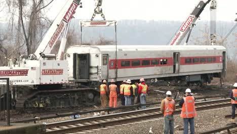 Footage-Of-The-Metro-North-Train-Derailment-In-Bronx-New-York-9