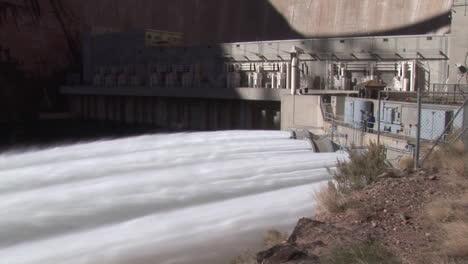 Los-Suministros-De-Agua-De-Emergencia-Se-Liberan-De-La-Presa-Del-Cañón-Glen-10