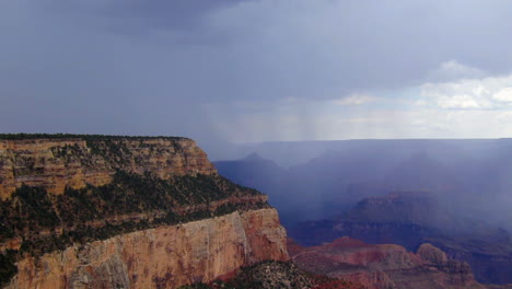 A-Beautiful-Time-Lapse-Of-The-Grand-Canyon-With-A-Storm-Passing-5
