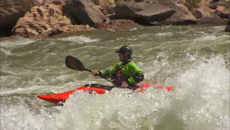 White-Water-Kayaker-Navigates-The-Grand-Canyon-6