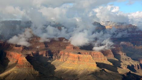 A-Beautiful-Time-Lapse-Of-The-Grand-Canyon-With-A-Storm-Passing-8