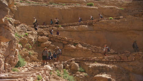 Rangers-Lead-A-Hiking-Group-In-The-Grand-Canyon