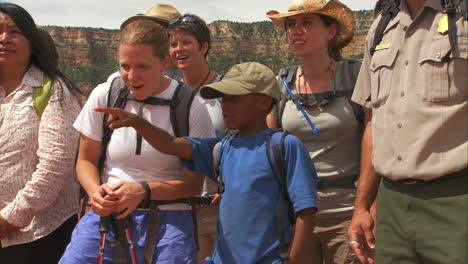 A-National-Park-Ranger-Leads-A-School-Tour-Of-The-Grand-Canyon-2