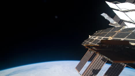 The-International-Space-Station-Flies-Over-The-Earth-1