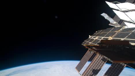La-Estación-Espacial-Internacional-Sobrevuela-La-Tierra-1