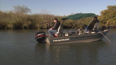 Fishermen-In-Californias-San-Joaquin-Delta-Enjoy-Fishing