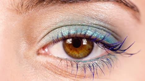Woman-Eyes-02