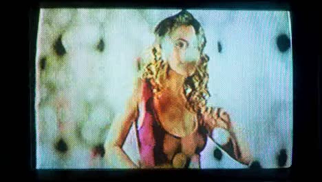 Mujer-tv-fuzz-02
