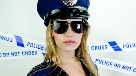 Woman-Police-02