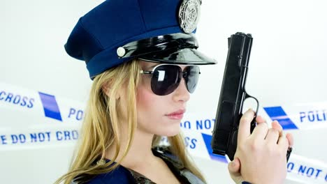 Woman-Police-03