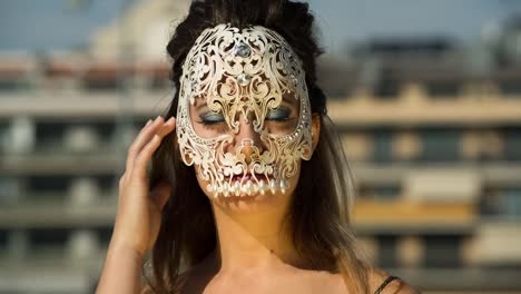 Woman-Skull-09