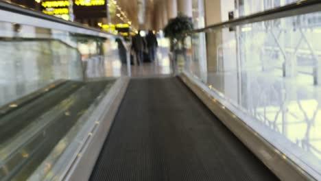 Barcelona-Airport-Rush-01