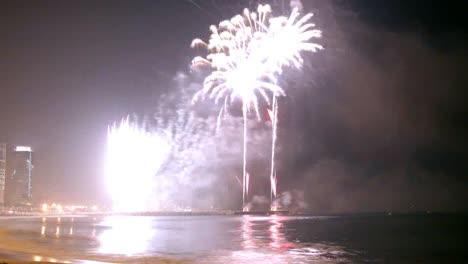 Barcelona-Fireworks-02