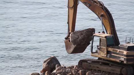 Beach-Construction-02