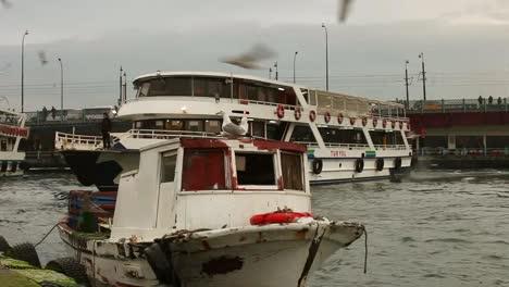 Bosphorus-Boats-02