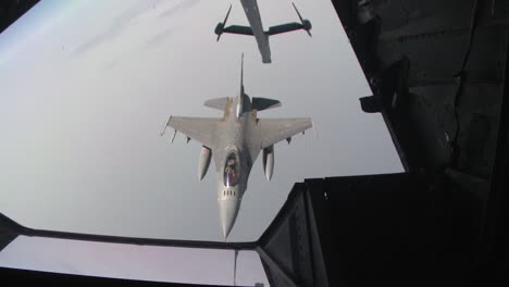An-Air-Force-F16-Is-Refueled-In-Midair-1
