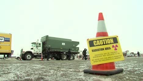The-Us-Customs-And-Border-Protection-Inspects-Vehicles-Entering-The-Super-Bowl-Arena-5
