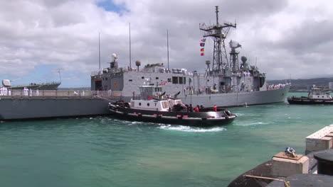 Los-Muelles-De-Fragata-De-Misiles-Guiados-Oliver-Hazard-Perry-En-Hawai