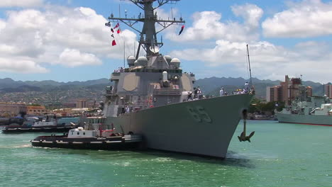 A-Guided-Missile-Destroyer-Navy-Ship-Passes-Near-Hickam-Base-In-Hawaii-3