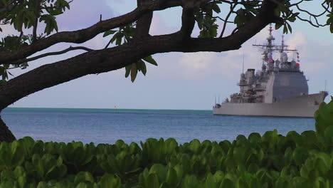 The-Uss-Chosin-A-Ticonderoga-Class-Guided-Missile-Cruiser-Sails-Near-Hawaii