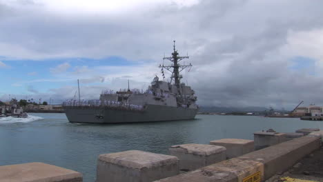The-Guided-Missile-Destroyer-Uss-Chung-Hoon-Departs-Pearl-Harbor-Hawaii-On-A-Mission-1